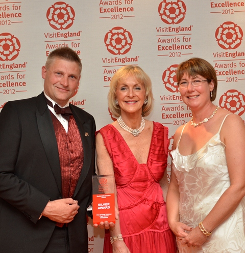 David & Felicity presented with Silver Award by Viscountess Penelope Cobham, Chairman of Visit England