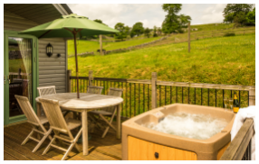 hot tub on Daisybank decking