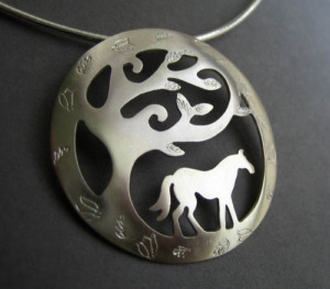 Horse pendent