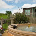 Pinder log cabin hot tub