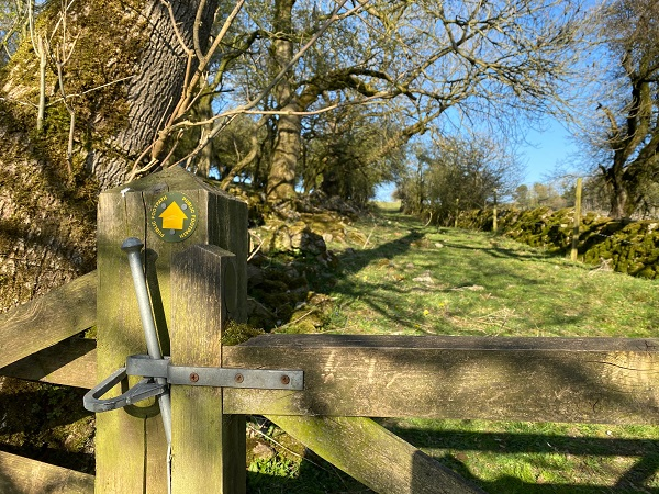 Footpath at Hoe Grange